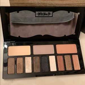 Kat von d shade + light glimmer eyeshadow palette